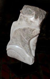 Les monstres tatoués sur la Befana, «Marbre blanc de Louvie-Soubiron»